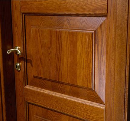 Как своими руками покрыть лаком деревянную дверь